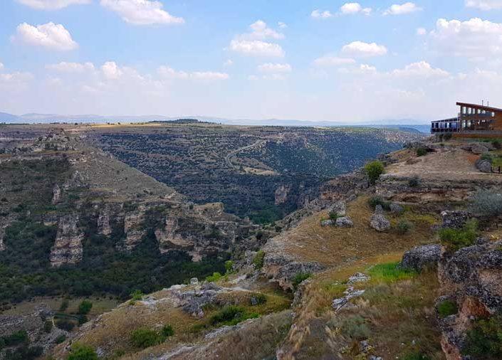 Ulubey kanyonu çevresindeki turistik tesisler - Touristic facilities and Ulubey canyon