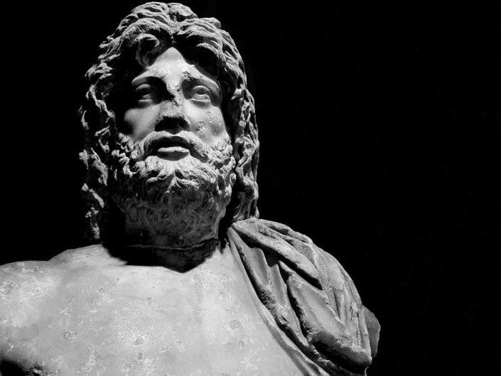Konya Arkeoloji Müzesi eserleri denizler tanrısı Poseidon heykeli Roma dönemi MS 2.yy - Konya Archaeological Museum statue of Poseidon 2nd Century A.D
