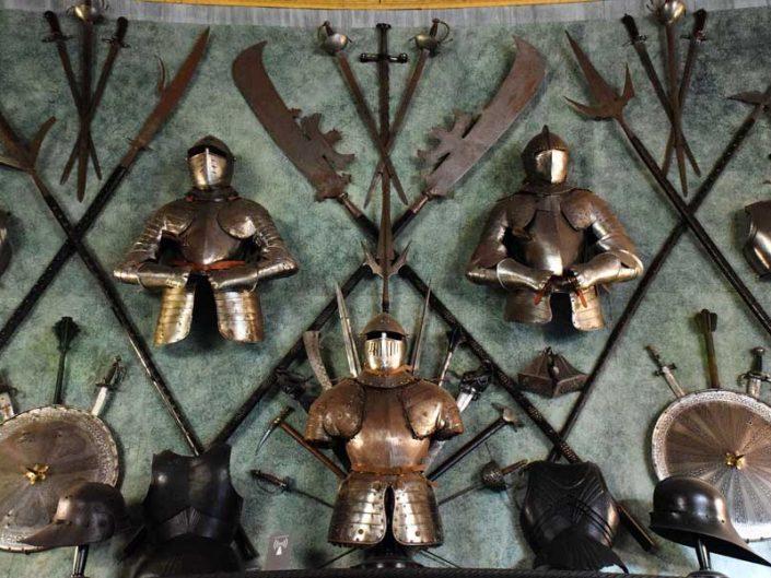 Torino Kraliyet Müzeleri Kraliyet Cephaneliği müzesi Ortaçağ savaş aletleri - Turin Royal Museums Royal Armory museum Medieval warfare