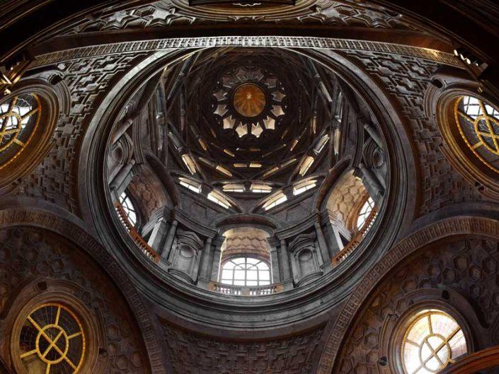 Torino Kraliyet Müzeleri Kutsal Örtü Şapeli kubbesi geniş açı - Turin Royal Museums chapel of the Shroud wide angle photo