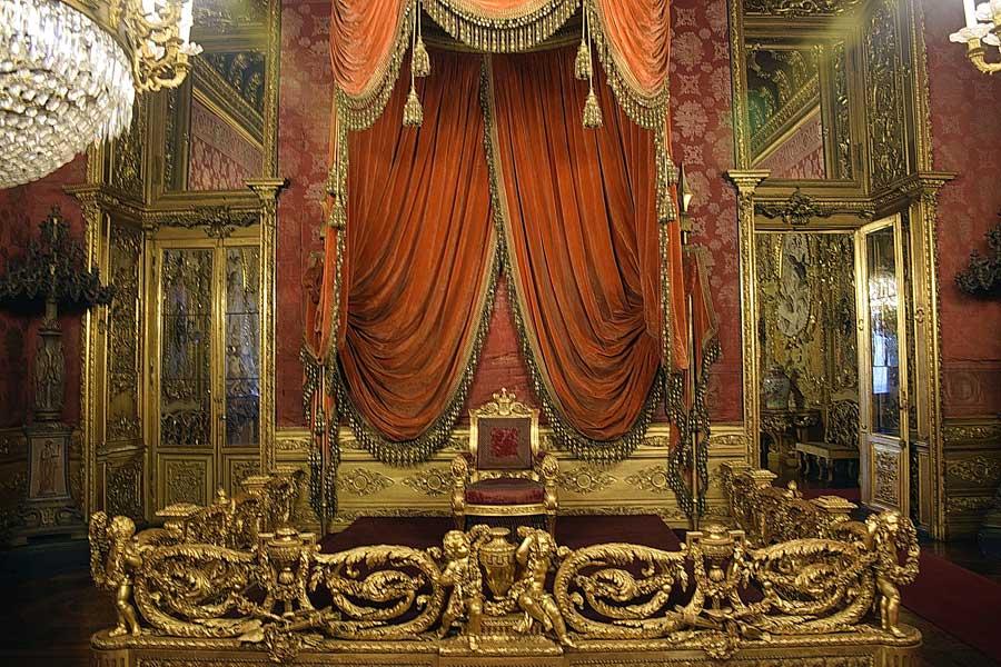Torino Kraliyet Sarayı taht odası - Royal Palace throne room