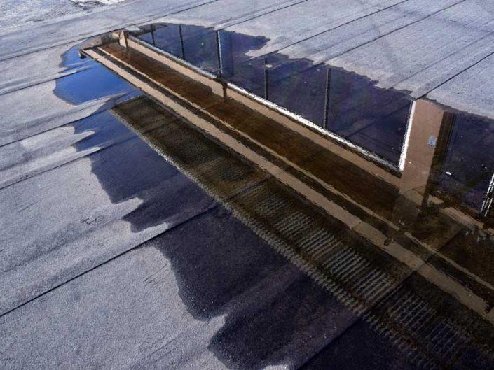 Torino eski Fiat fabrikası kullanılmayan çatı test pisti detayı - Lingotto old Fiat factory unused roof test tack detail