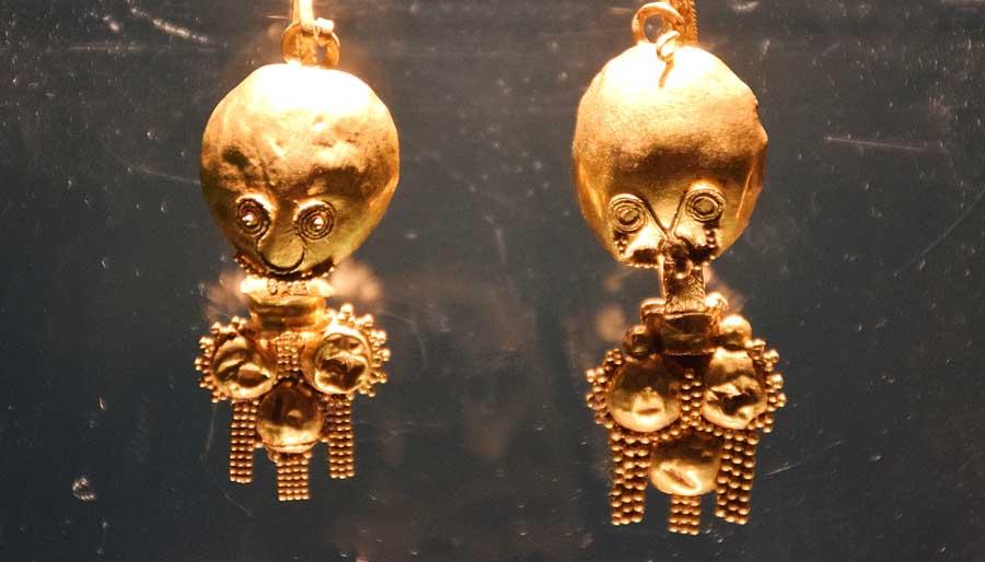 Sivas Arkeoloji Müzesi Hitit Dönemi Yarhisar altın buluntuları - Sivas Archaeology Museum Hittite Period Yarhisar gold jewerly finds