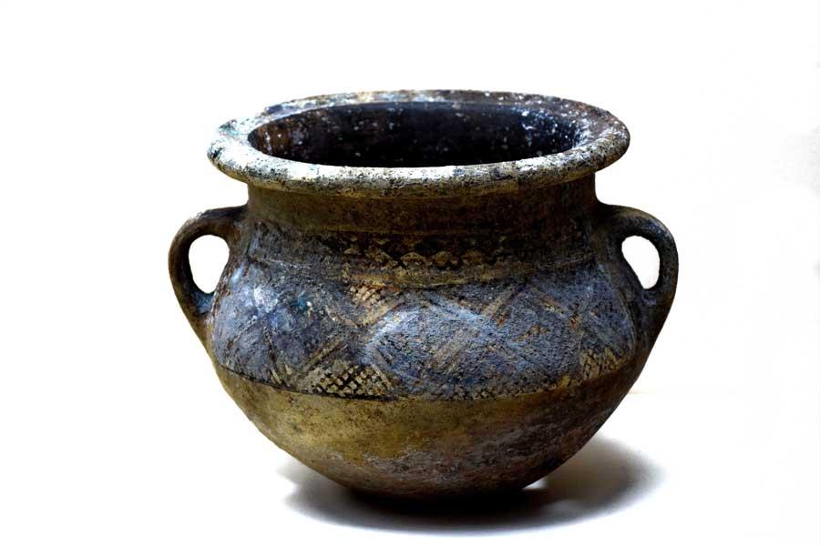 Sivas Arkeoloji Müzesi Orta Demir Çağı eserleri M.Ö. 900-600 - Middle Iron Age historical artifact 900-600 B.C