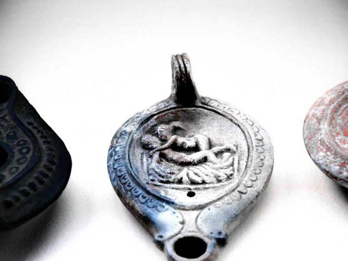 Sivas Arkeoloji Müzesi Roma Dönemi kandiller - Sivas Archaeology Museum Roman Period oil lamps
