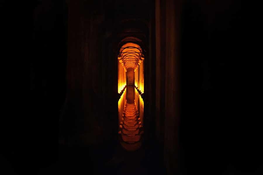 Yerebatan Sarnıcı ışıklandırması - Yerebatan (Basilica) Cistern interior illumination