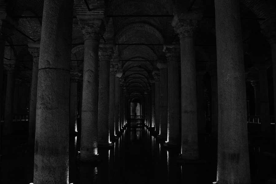 Yerebatan Sarnıcı içi genel görünümü - Yerebatan (Basilica) Cistern interior