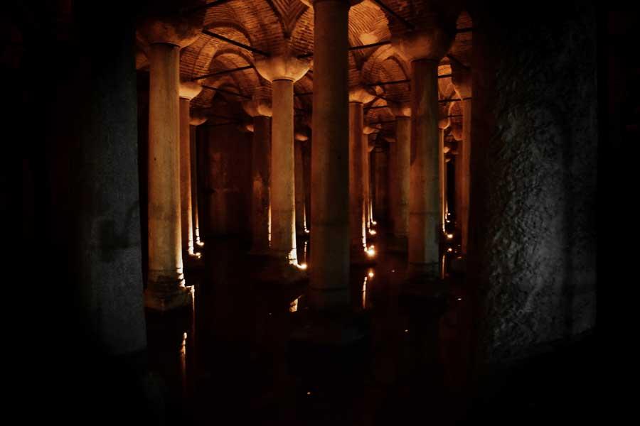 Yerebatan Sarnıcı sütunları - Yerebatan (Basilica) Cistern columns