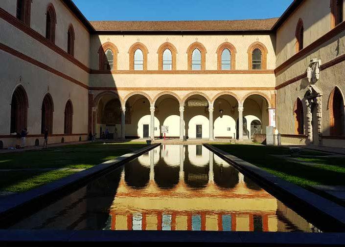 Sforzesco Şatosu fotoğrafları Dük'ün Avlusu - Sforzesco Castle Ducal Court