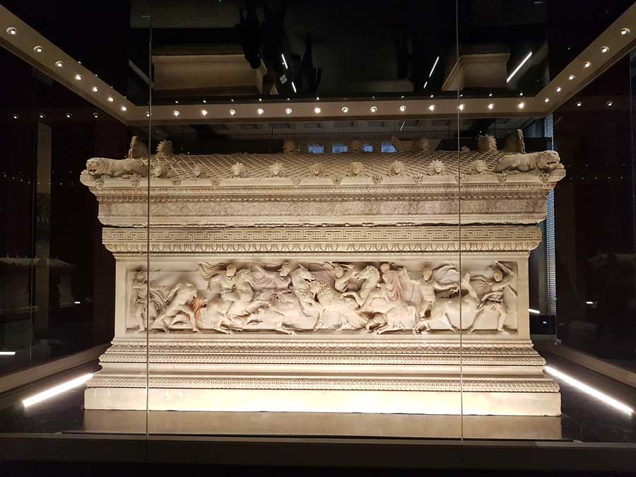 İstanbul Arkeoloji Müzeleri İskender Lahdi - Istanbul Archaeology Museums Alexander sarcophagus