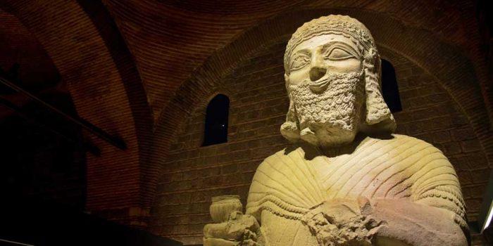 Anadolu Medeniyetleri müzesi Kral Muttalu Heykeli Malatya M.Ö. 1200-700 - Anatolian Civilizations Museum statue of King Muttalu 1200-700 B.C.