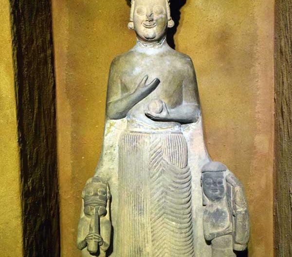 Anadolu Medeniyetleri Müzesi eserleri Frig Ana tanrıçası Kybele - Anatolian Civilizations Museum photos Phrygian Mother goddess Cybele or Matar