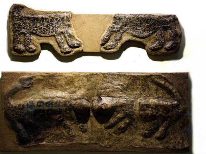 Anadolu Medeniyetleri Müzesi eserleri, Leopar kabartmaları, Çatalhöyük M.Ö. 6000 - Anatolian Civilizations Museum Leopard reliefs, Çatalhöyük 6000 B.C
