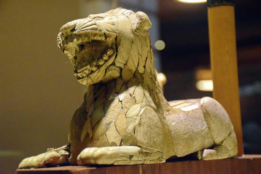 Anadolu Medeniyetleri Müzesi eserleri Urartu aslan heykelciği - Anatolian Civilizations Museum Urartu Lion figurine
