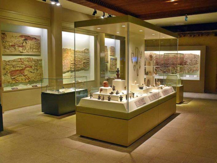 Anadolu Medeniyetleri müzesi sergi salonları - Anatolian Civilizations Museum exhibition hall