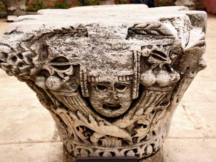 Ayasofya kazısında bulunan sütun başı -Excavation finds in Hagia Sophia