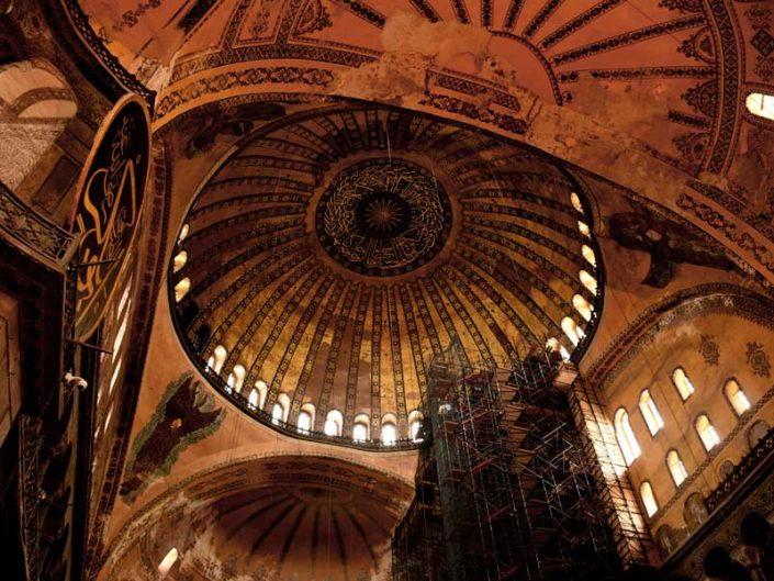Ayasofya kubbesi ve yarım kubbe - Hagia Sophia's dome and apses