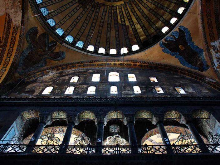 Ayasofya mozaikleri Serafim Meleği mozaikleri ve üst kat galerisi - mosaics of Seraphim Angel and top gallery of Hagia Sophia