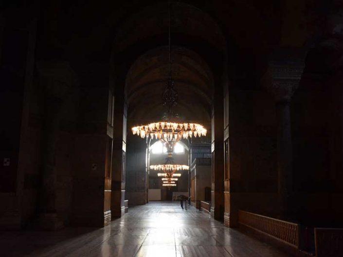 Ayasofya'nın içinden bir görünüm - A view from inside the Hagia Sophia