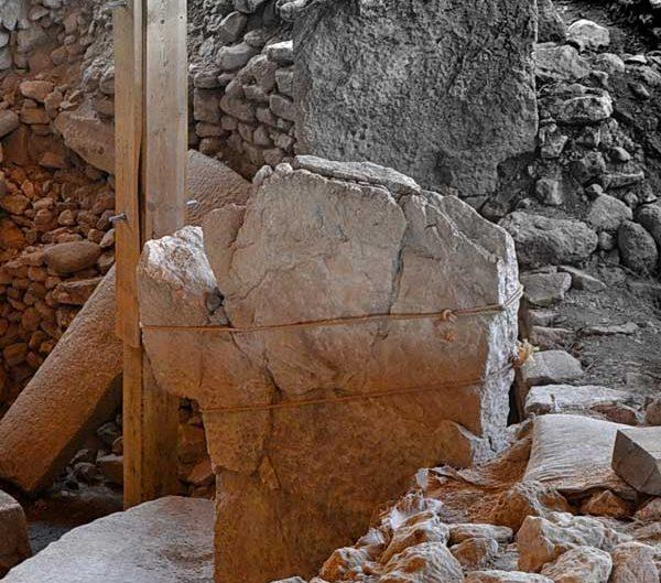 Göbeklitepe fotoğrafları kazıları ve stelleri Şanlıurfa - photos of Gobekli Tepe steles Southeastern Anatolia Turkey