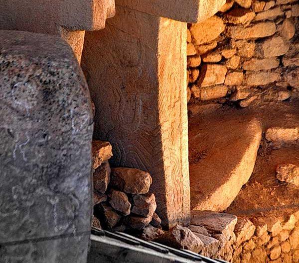 Göbeklitepe fotoğrafları ve sembolleri - photos of Gobekli Tepe steles Southeastern Anatolia Turkey
