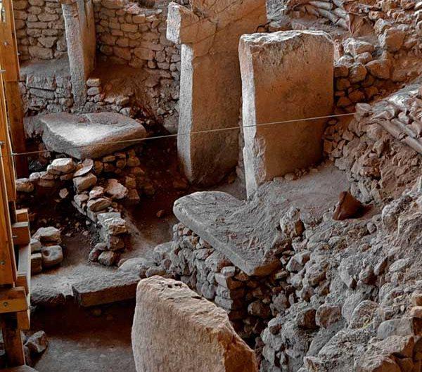 Göbeklitepe sembolleri fotoğrafları - Gobekli Tepe photos Southeastern Anatolia Turkey