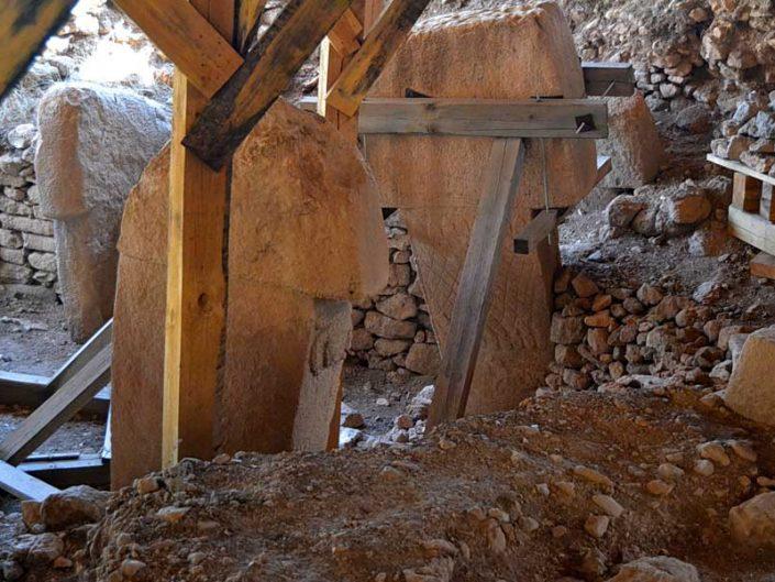Göbeklitepe fotoğrafları ritüel alanı ve stelleri - Steles of Gobekli Tepe Southeastern Anatolia