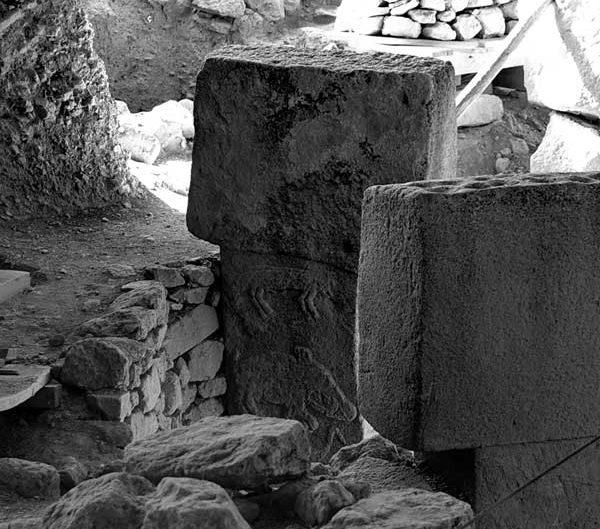 Güneydoğu Doğu Anadolu Göbeklitepe fotoğrafları sembolleri ve stelleri - photos of Gobekli Tepe symbols Southeastern Anatolia