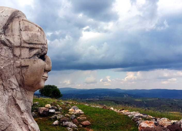 Hattuşa Sfenksli kapı sfenks kabartması, Çorum - Sphinx relief at Sphinx Gate, Hattusa photos Turkey