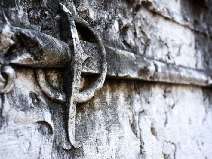 Lizbon Carmo Manastırı Kilisesi kabartmaları - reliefs of Carmo Convent or Convento do Carmo Lisbon