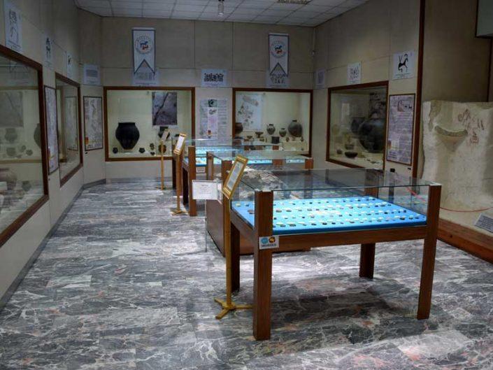 Malatya müzesi Arslantepe höyüğü buluntuları salonu - Malatya Museum Arslantepe mound finds hall