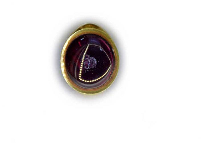Malatya müzesi Yenice Maşattepe tümülüsü yakut taşlı altın yüzük Erken Roma Dönemi - Masattepe tumulus gold ring with ruby stone Early Roman period
