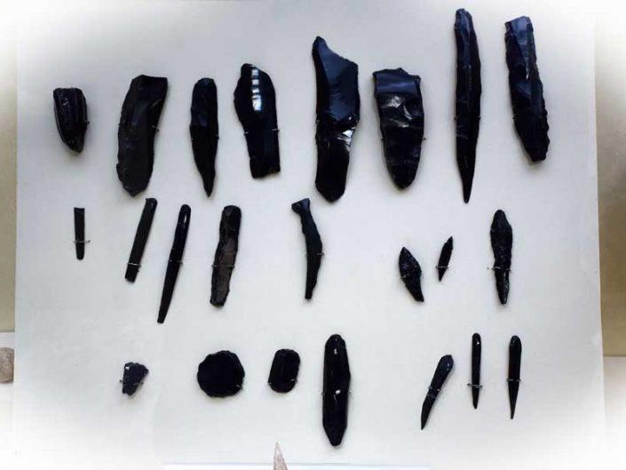 Malatya müzesi görselleri Cafer höyük Neolitik çağ aletleri MÖ 7000 - Malatya Museum Cafer mound Neolithic tools 7000 BC