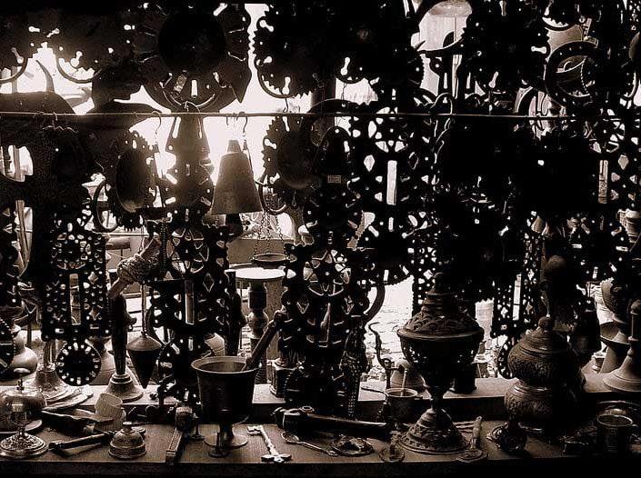Safranbolu Demirciler çarşısı, Safranbolu fotoğrafları - shadows beneath in Safranbolu