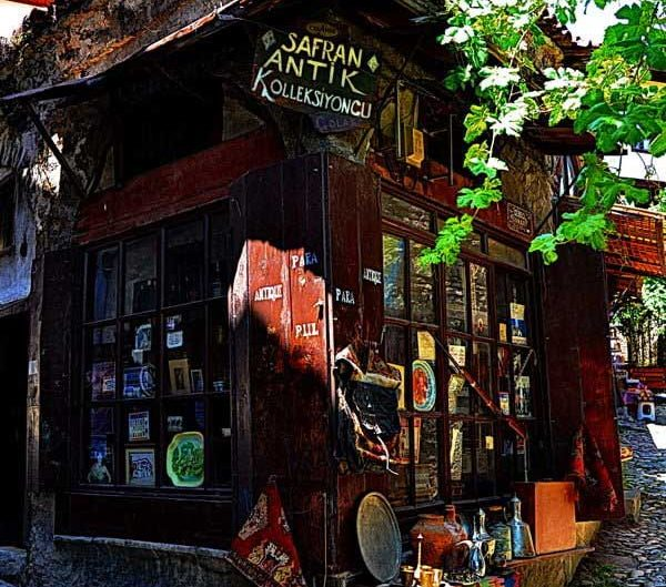 Safranbolu sokaklarında bir antikacı dükkanı, Safranbolu fotoğrafları - memory of Safranbolu