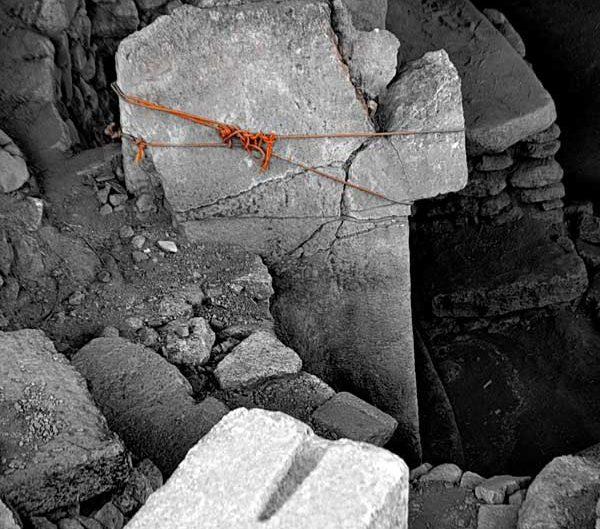 Şanlıurfa Göbeklitepe kazıları ve stelleri ve fotoğrafları - photos of Gobekli Tepe steles Southeastern Anatolia Turkey