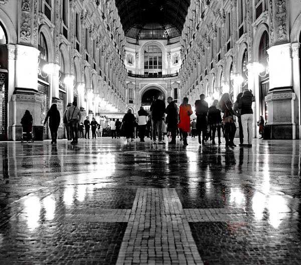 İtalya Milano Vittorio Emanuele II Çarşısı içi - Italy Milan interior of the Galleria Vittorio Emanuele II