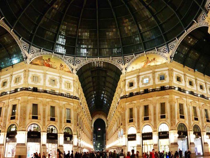 Milano Vittorio Emanuele II Çarşısı - Milan Galleria Vittorio Emanuele II