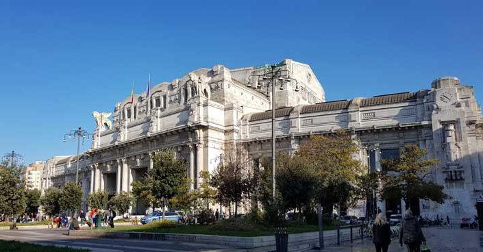 Milano Merkez Tren İstasyonu fotoğrafları - Milan Central Railway Station