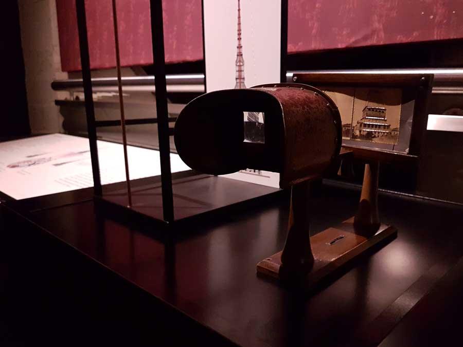 Torino Sinema Müzesi antika Stereoskopi veya Stereoskop - Turin National Museum of Cinema antique Stereoscope