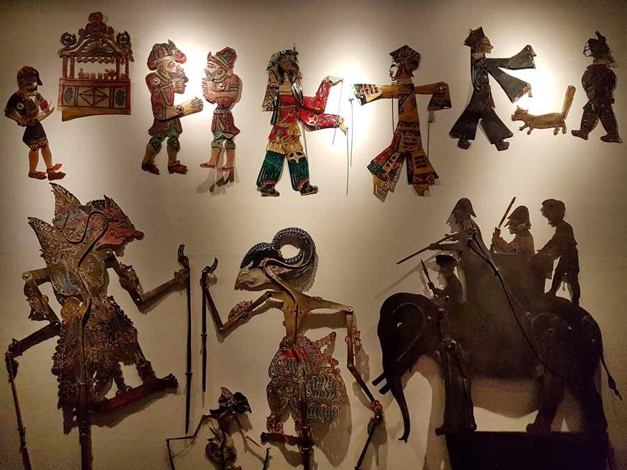 Torino Sinema Müzesi dünyaca ünlü gölge oyunu figürleri - Turin National Museum of Cinema, world famous shadow play figures