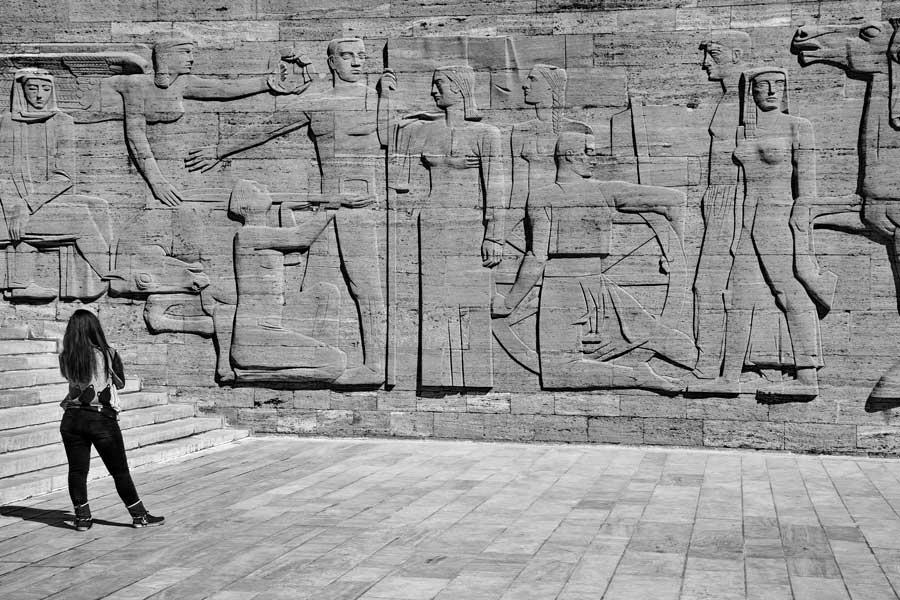 Anıtkabir rölyefleri İlhan Koman tarafından yapılan Sakarya Meydan Muharebesi rölyefi - Anıtkabir reliefs, relief of Battle of Sakarya by İlhan Koman
