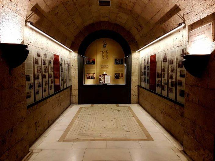 Anıtkabir Atatürk ve Kurtuluş Savaşı Müzesi içi - interior of the Anıtkabir Atatürk and War of Independence Museum