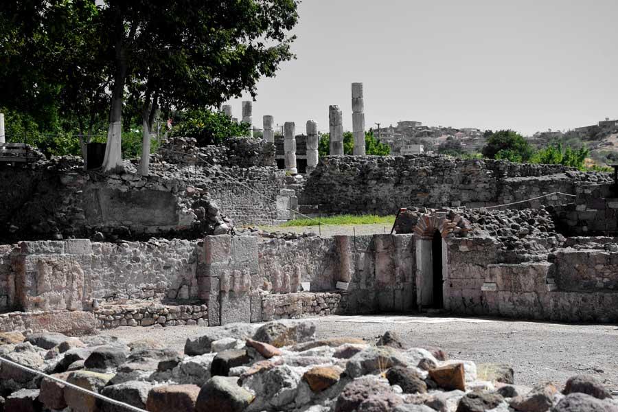 Çanakkale Ayvacık Gülpınar Apollon Smintheus kutsal alanı mermer salon - Apollo Smintheus Sanctuary marble hall