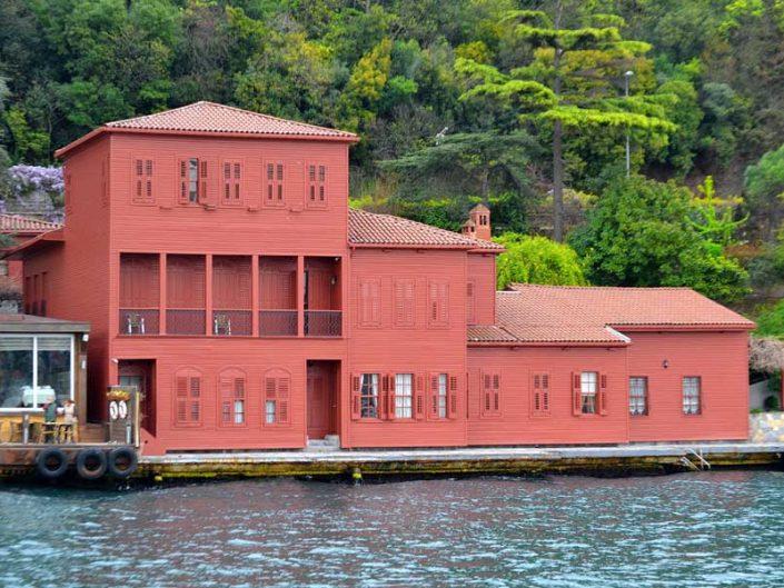 İstanbul Boğazı yalıları Anadoluhisarı Hekimbaşı Salih Efendi Yalısı - Bosphorus Anatolian Side Anadoluhisarı Hekimbaşı Salih Efendi Mansion