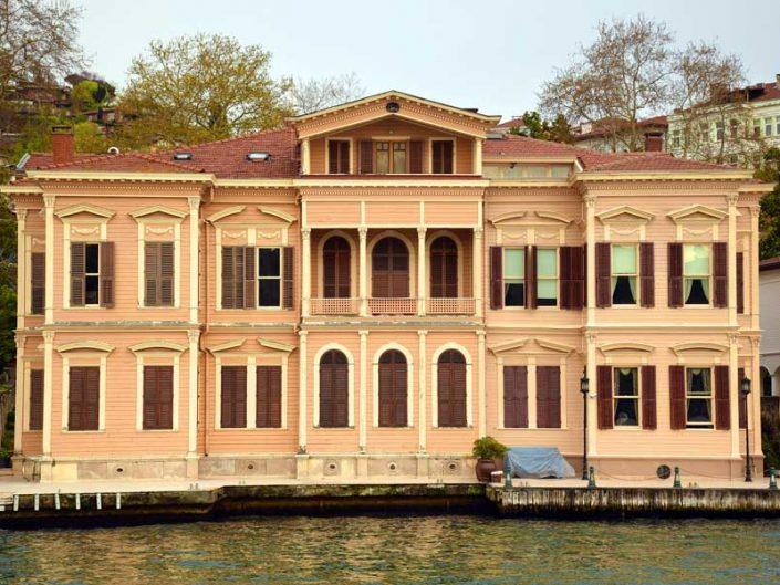 İstanbul Boğazı yalıları İstanbul Anadoluhisarı Bahriyeli Sedat Bey Yalısı - Bosphorus Anatolian Side Anadoluhisarı Bahriyeli Sedat Bey Mansion