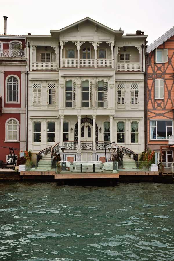 İstanbul Yeniköy Dadyan Yalısı veya Adil Sezer Yalısı - Bosphorus European Side Yeniköy Dadyan or Adil Sezer Mansion