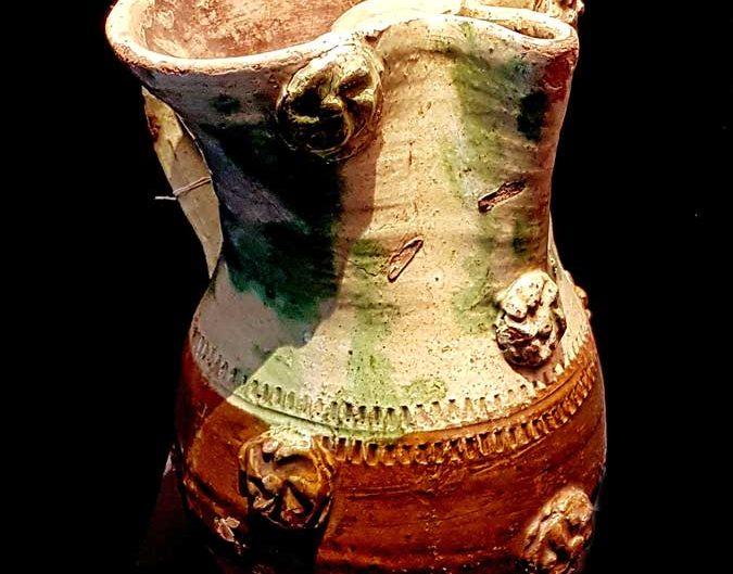 Tekfur Sarayı Müzesi eserleri fotoğrafları yonca ağızlı testi - Tekfur Palace Museum artifacts photos trefoil jug