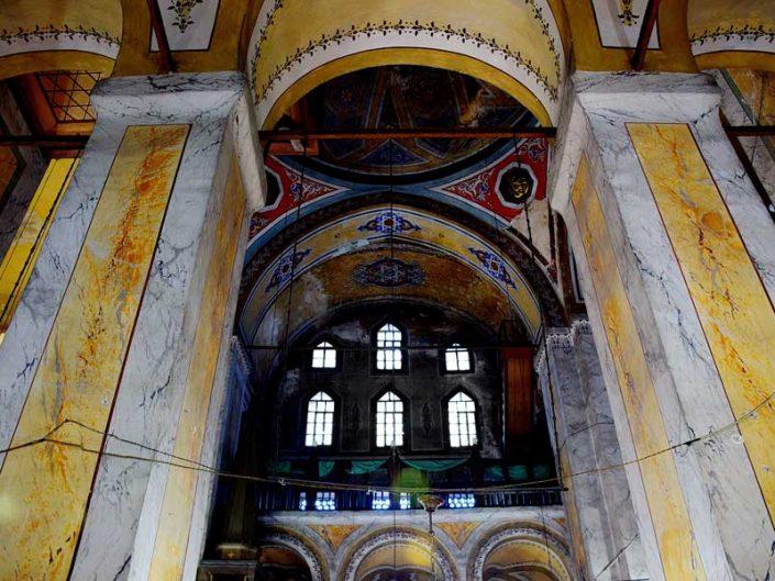 Balat Ayakapı Gül Camii narteksten genel cami görünümü - Balat Ayakapı Gül Mosque (The Mosque of the Rose) general mosque view from narthex
