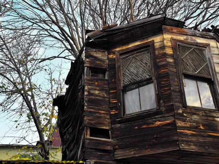 Balat tarihi eski İstanbul ahşap evleri - Balat historical old wooden houses of Istanbul